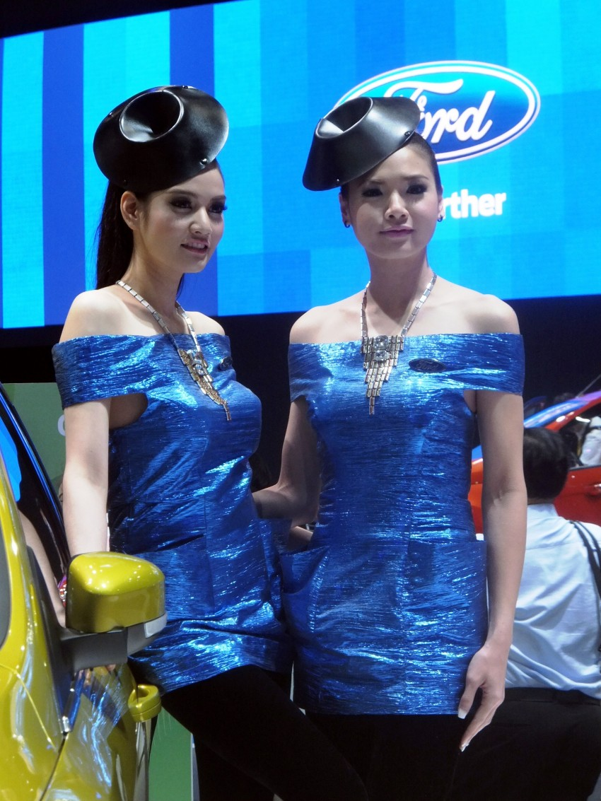 Bangkok 2013: the show girls from the Land of Smiles Image #165775