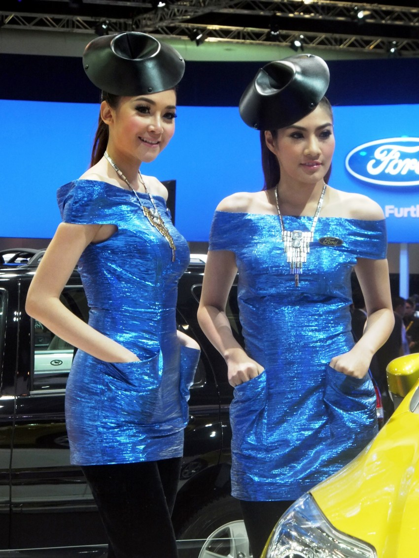 Bangkok 2013: the show girls from the Land of Smiles Image #165776