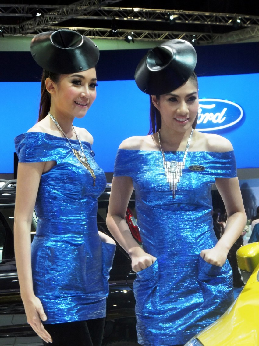 Bangkok 2013: the show girls from the Land of Smiles Image #165778