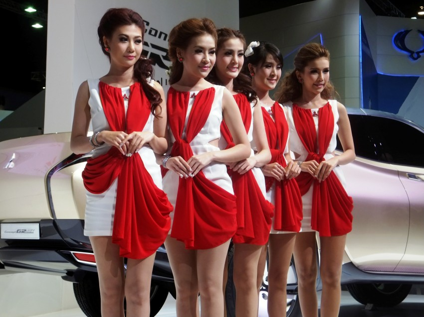 Bangkok 2013: the show girls from the Land of Smiles Image #165783