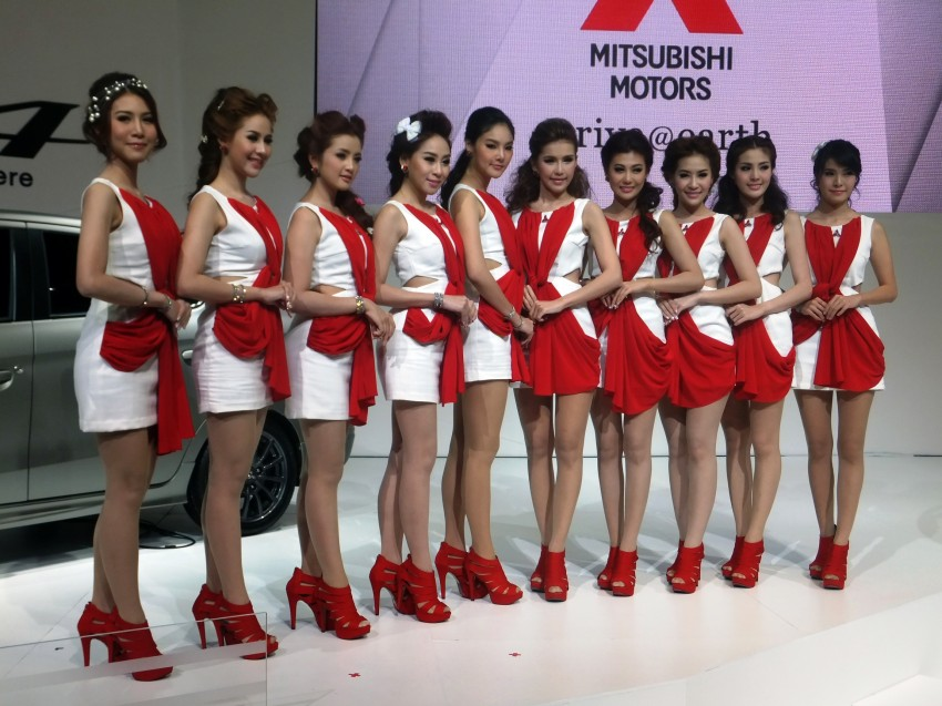 Bangkok 2013: the show girls from the Land of Smiles Image #165786