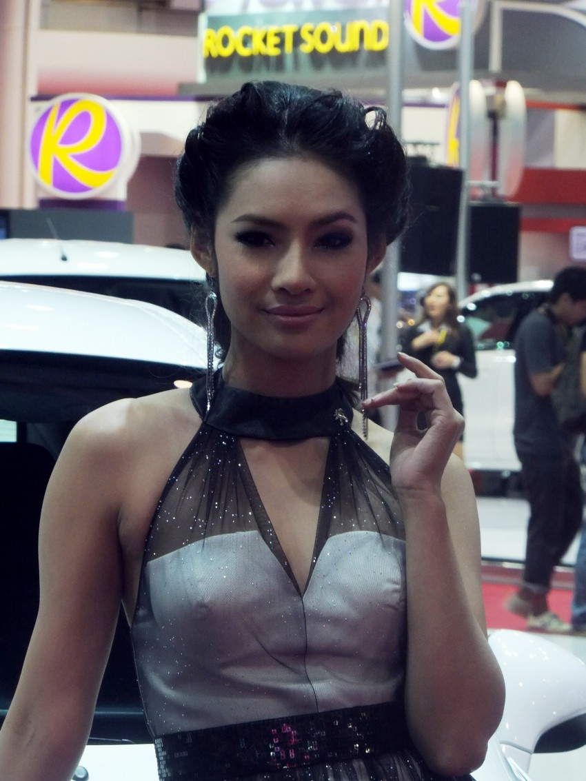 Bangkok 2013: the show girls from the Land of Smiles Image #165797
