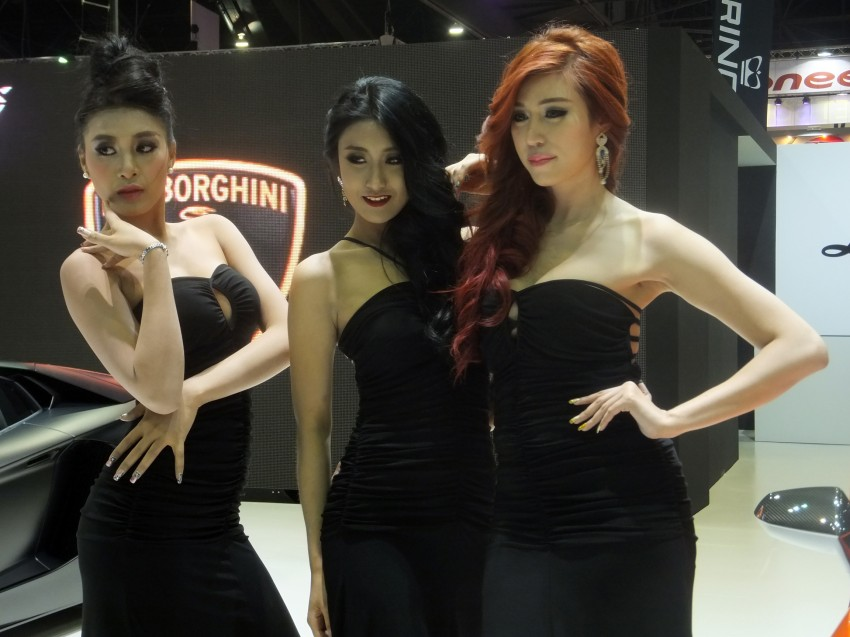 Bangkok 2013: the show girls from the Land of Smiles Image #165806