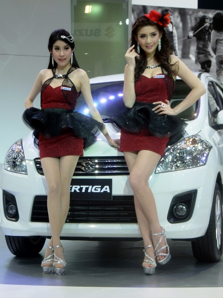 Bangkok 2013: the show girls from the Land of Smiles Image #165807