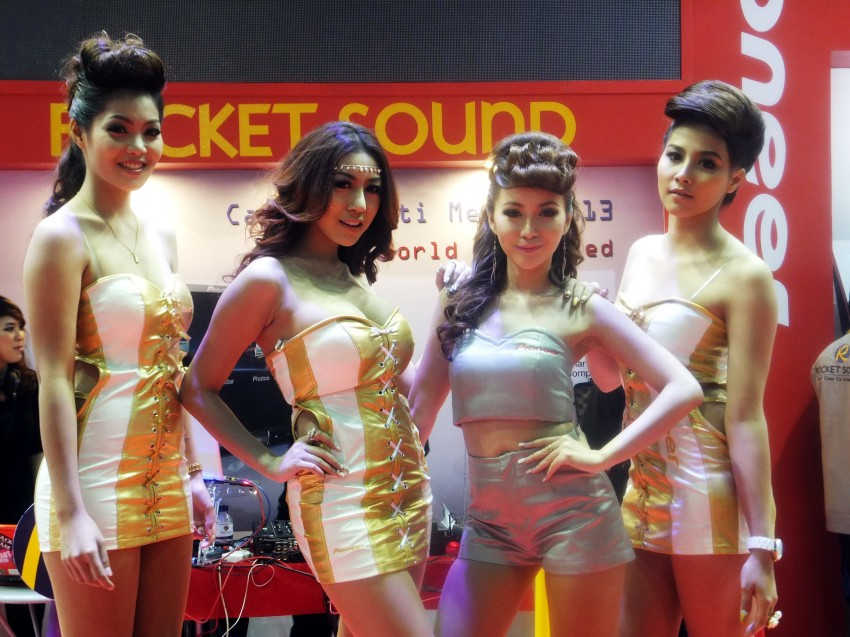 Bangkok 2013: the show girls from the Land of Smiles Image #165822