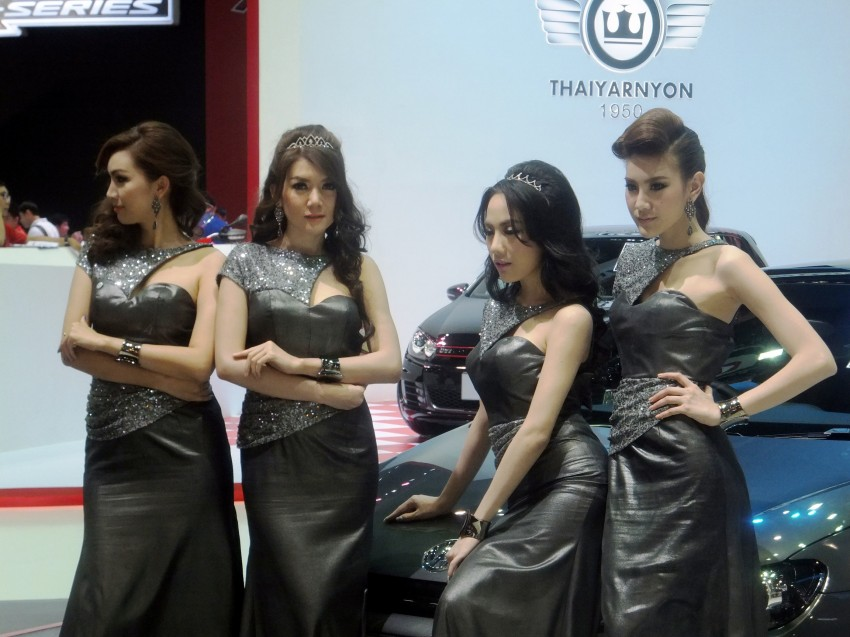 Bangkok 2013: the show girls from the Land of Smiles Image #165825