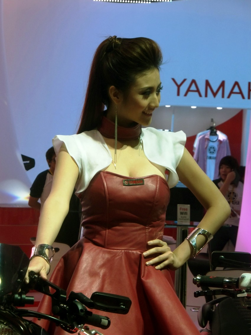 Bangkok 2013: the show girls from the Land of Smiles Image #165833