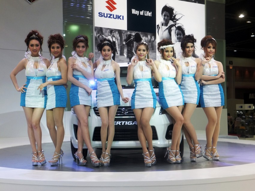 Bangkok 2013: the show girls from the Land of Smiles Image #165851
