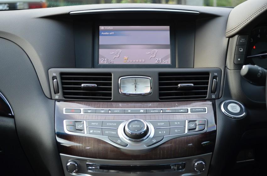 Four-way luxury sedan comparison – Audi A6 vs BMW 520i vs Infiniti M25 vs Lexus GS 250 Image #171873