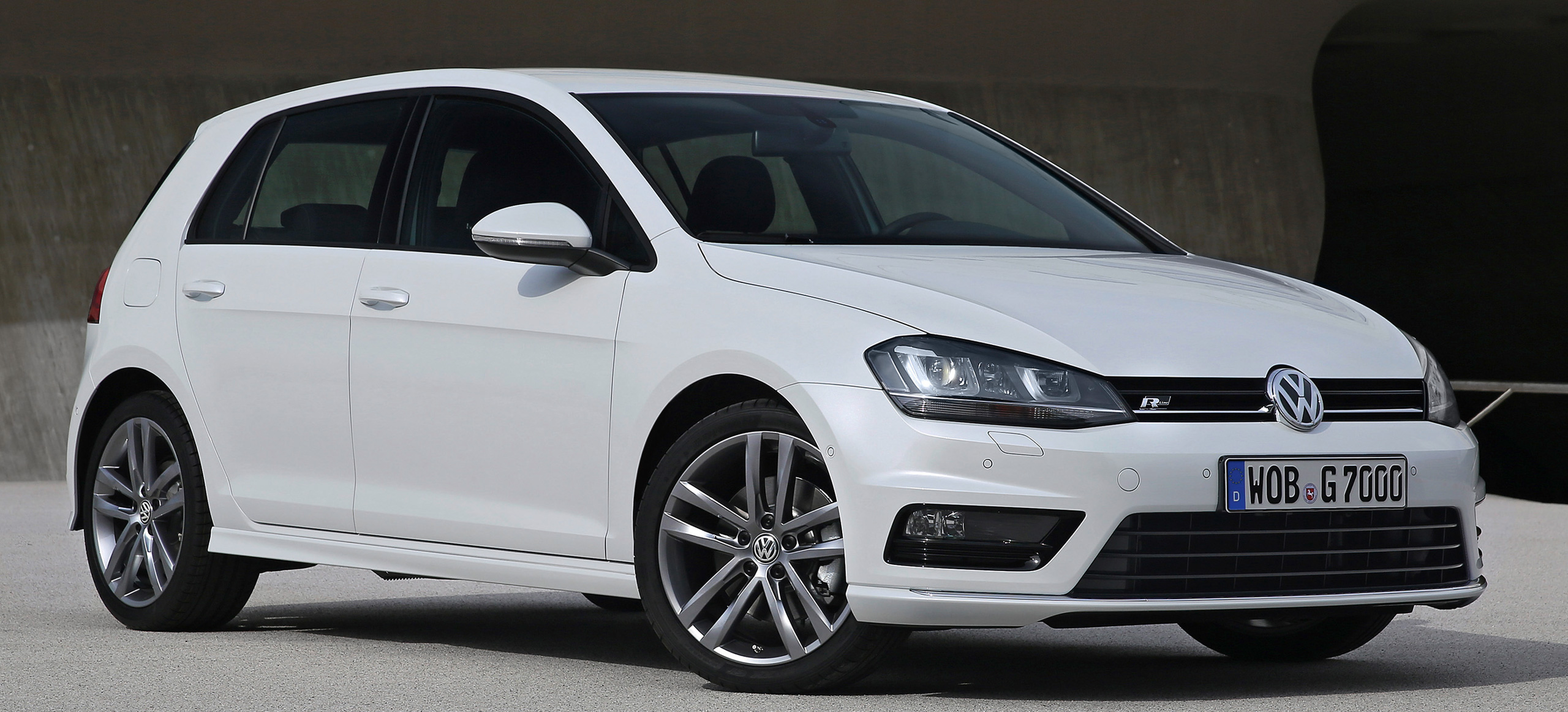 Volkswagen Introduces New Golf Mk7 R Line Packages Image