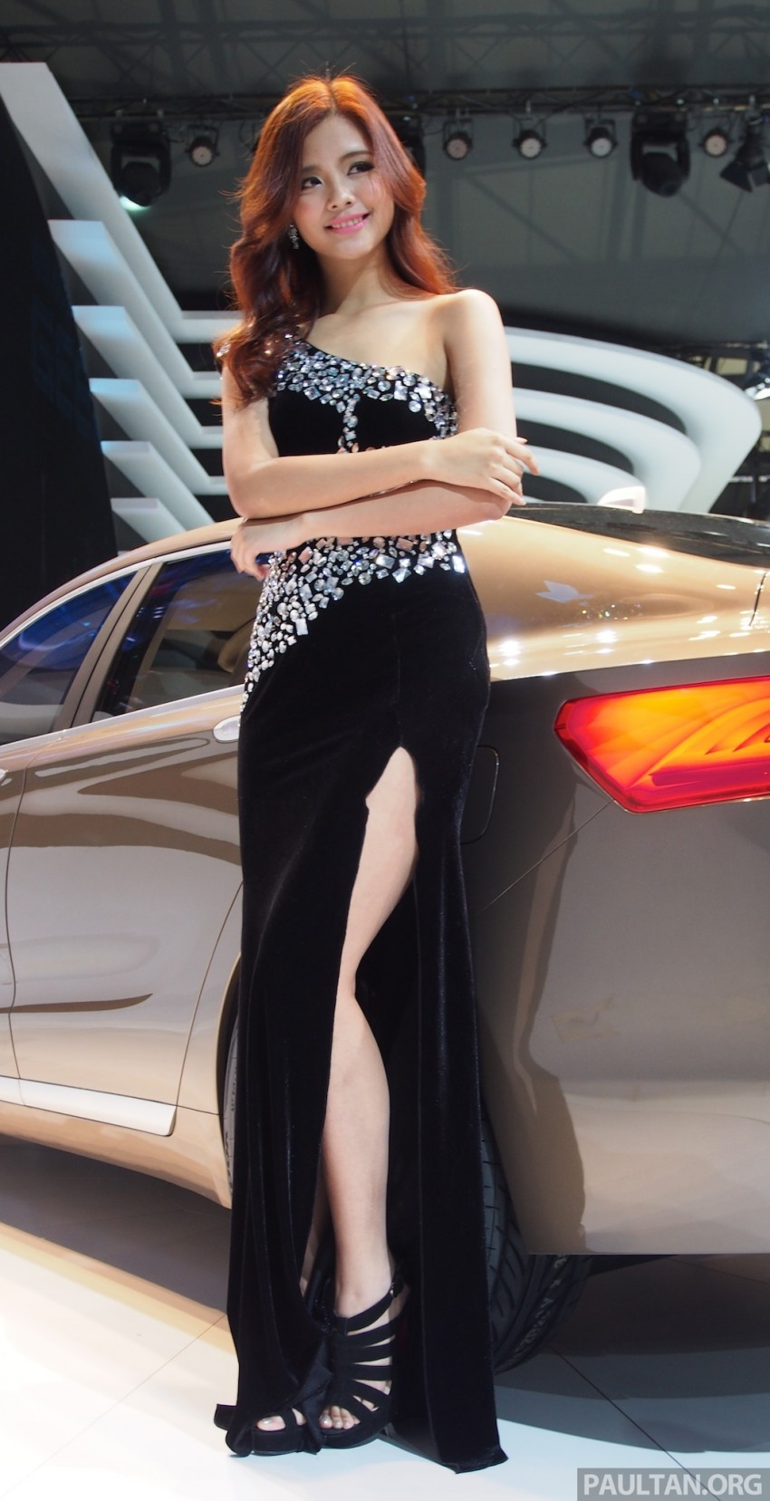Mysterious ladies of Shanghai 2013 end our coverage Image #170277