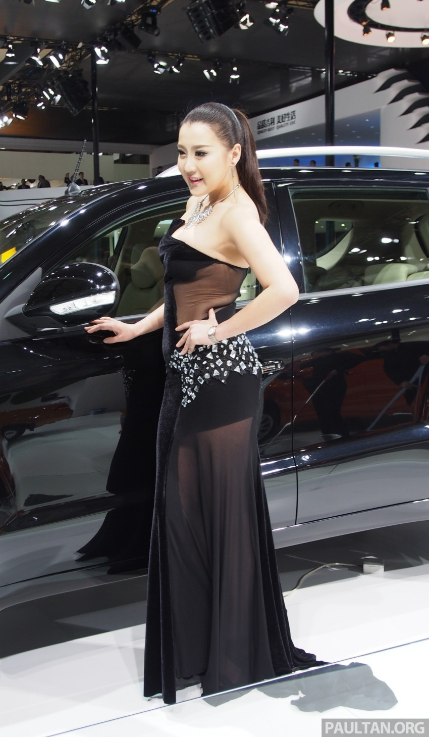 Mysterious ladies of Shanghai 2013 end our coverage Image #170223