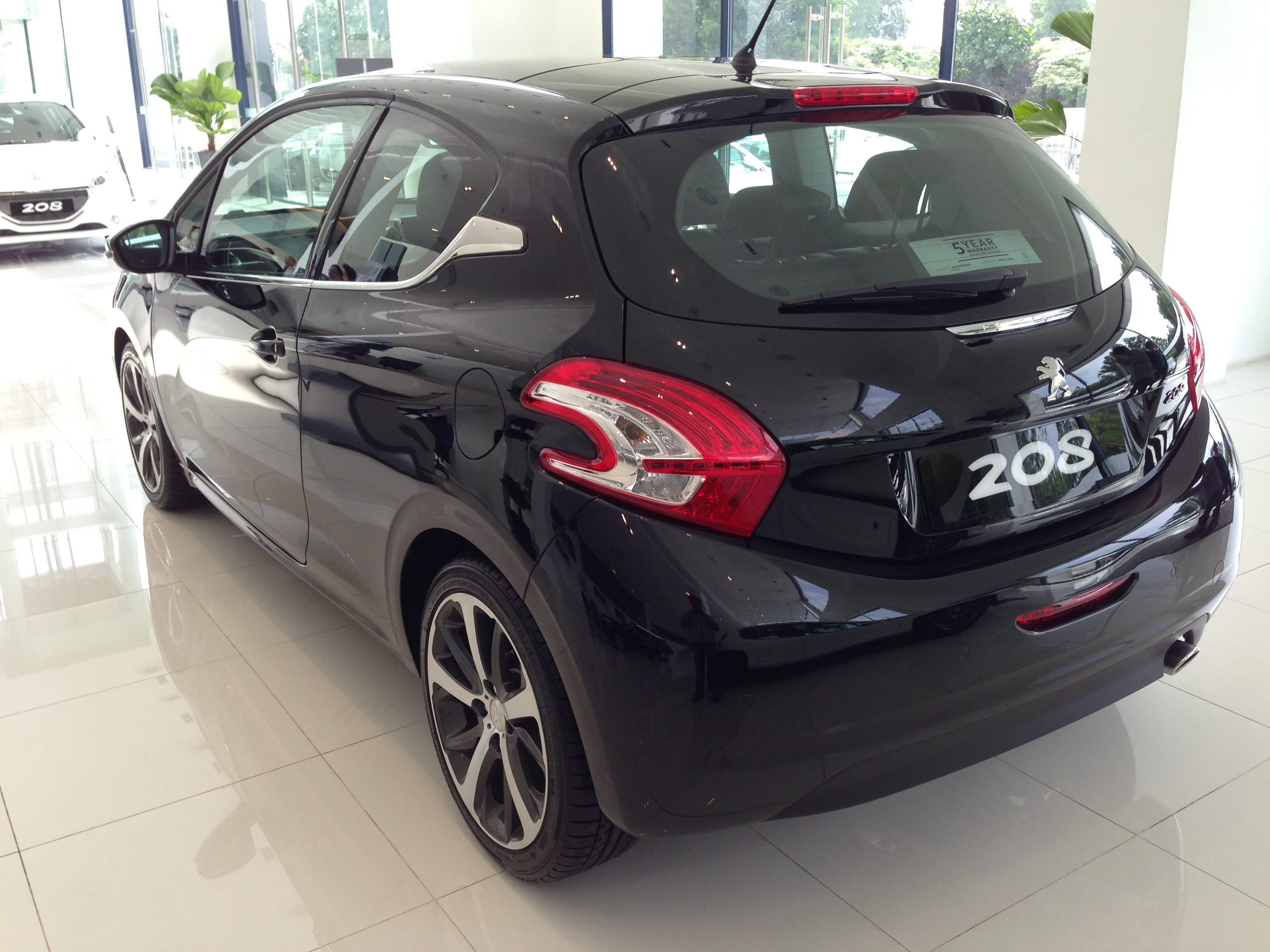 peugeot 208 on display specs unveiled via brochures paul tan image 167837. Black Bedroom Furniture Sets. Home Design Ideas