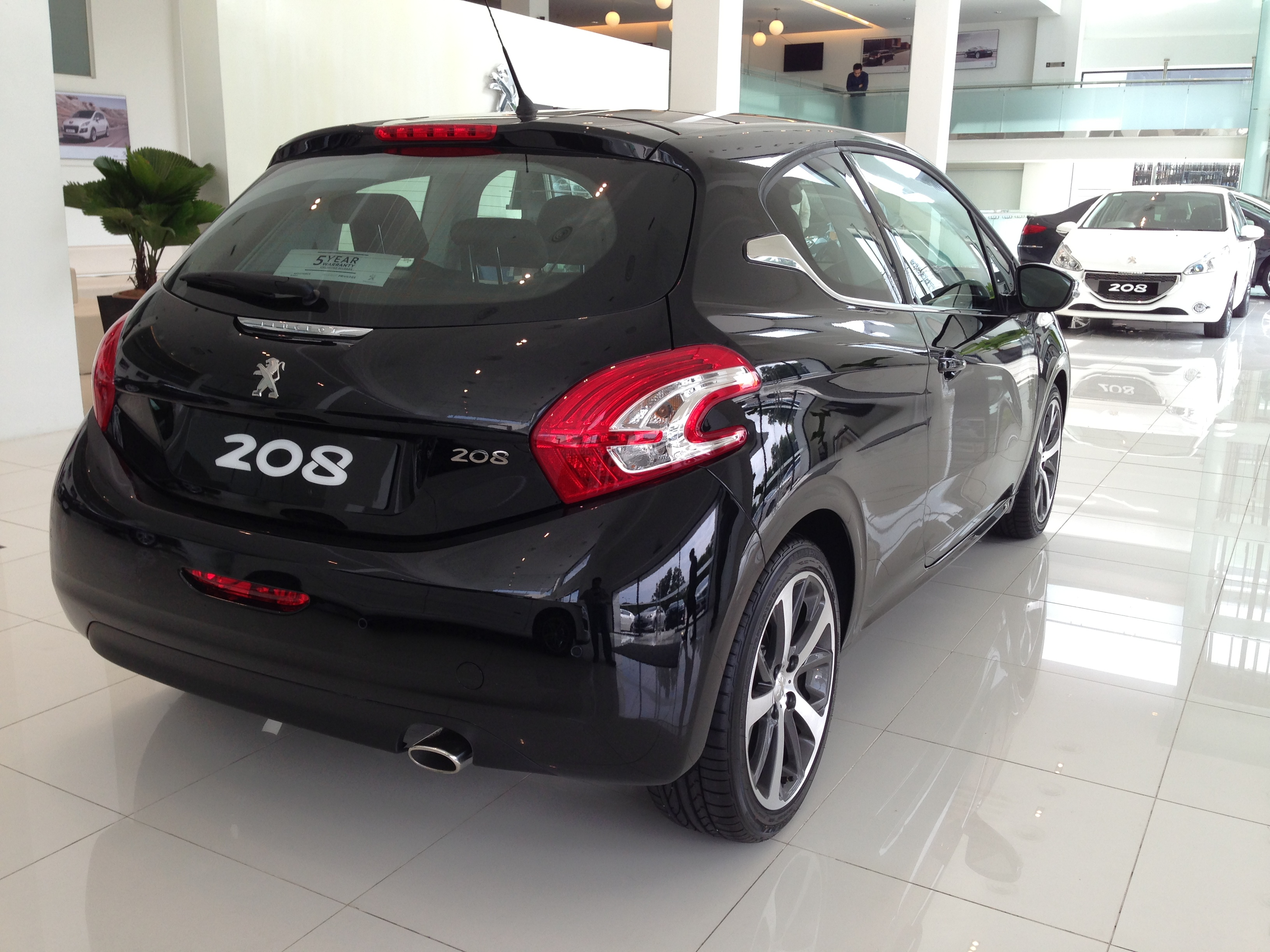 peugeot 208 on display specs unveiled via brochures image 167839. Black Bedroom Furniture Sets. Home Design Ideas