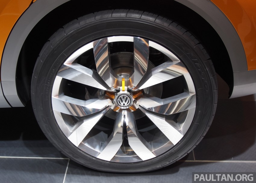 Shanghai 2013 Live: Volkswagen CrossBlue Coupe Image #170483