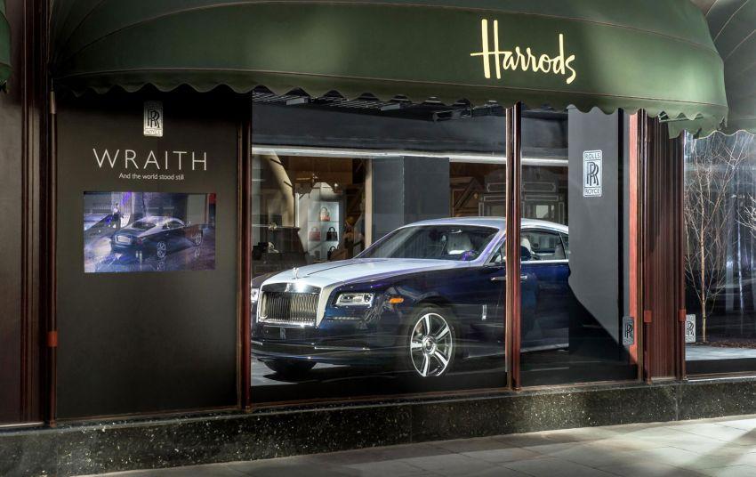 Rolls-Royce Wraith Harrods window display debut Image #172201