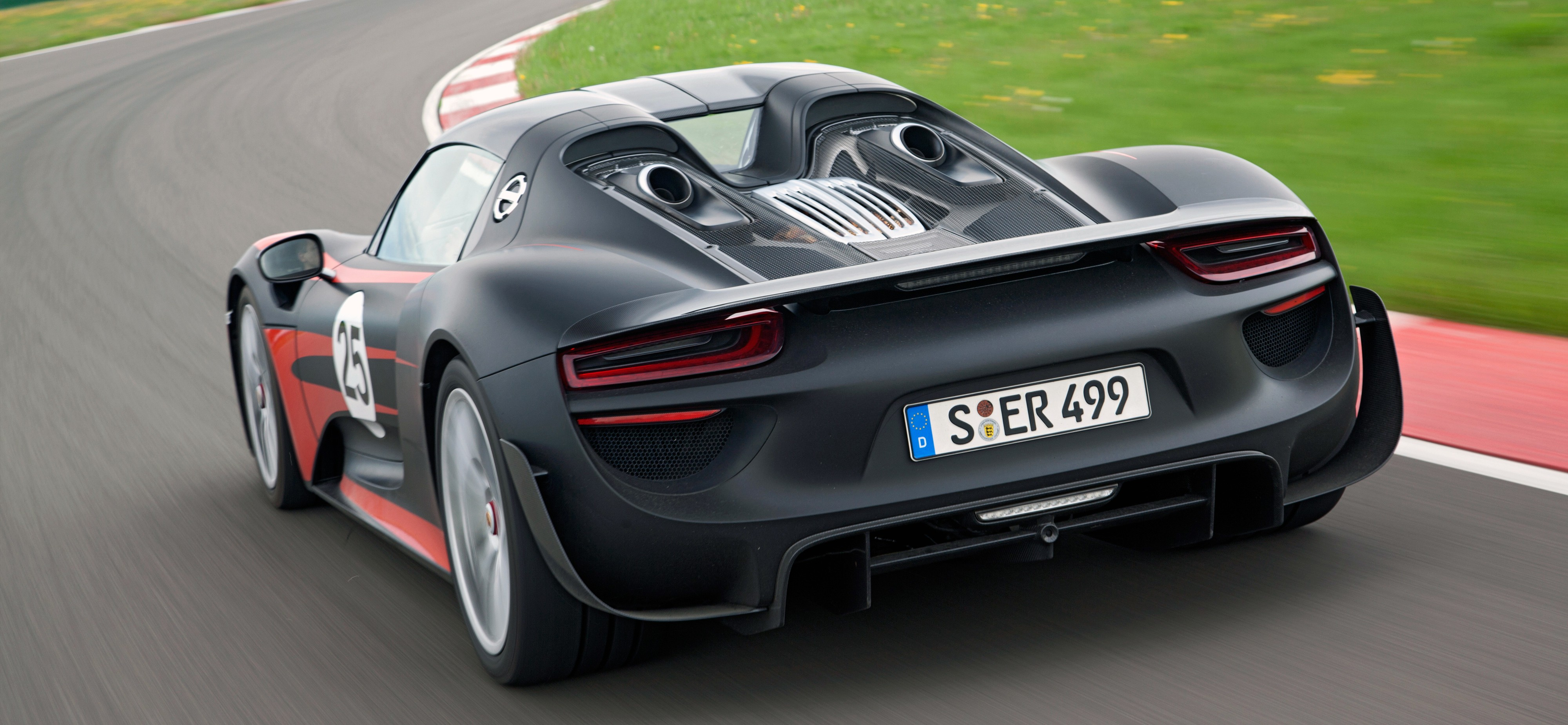 porsche 918 spyder 887 hp 1 275 nm 340 km h image 175025. Black Bedroom Furniture Sets. Home Design Ideas