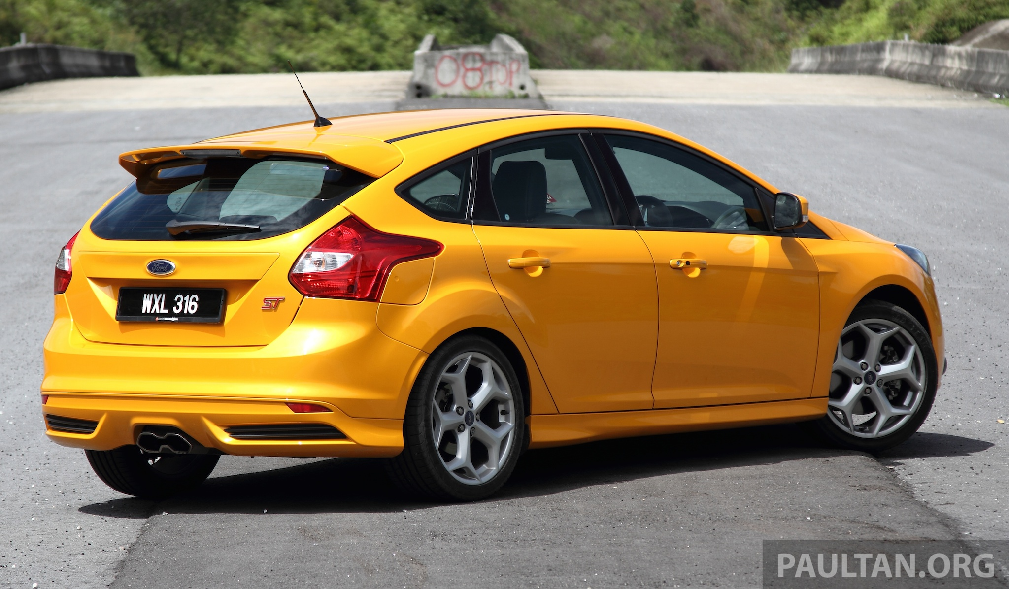 driven ford focus st orange crush anyone image 177023. Black Bedroom Furniture Sets. Home Design Ideas