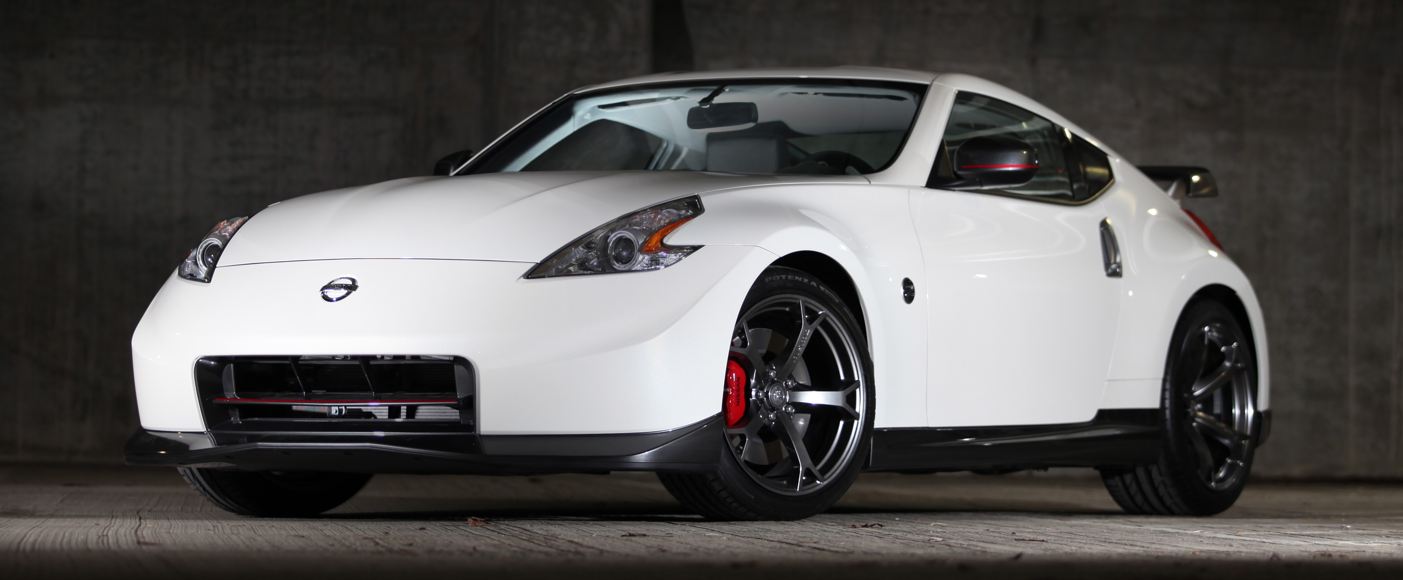 gallery nissan 370z nismo gets cosmetic add ons image 172672. Black Bedroom Furniture Sets. Home Design Ideas