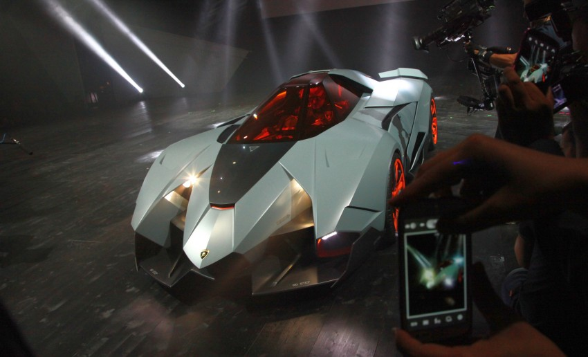 Lamborghini Egoista Concept: because two's a crowd Image #173757