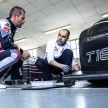 Loeb_drives_Peugeot_208_Pikes_Peak_02