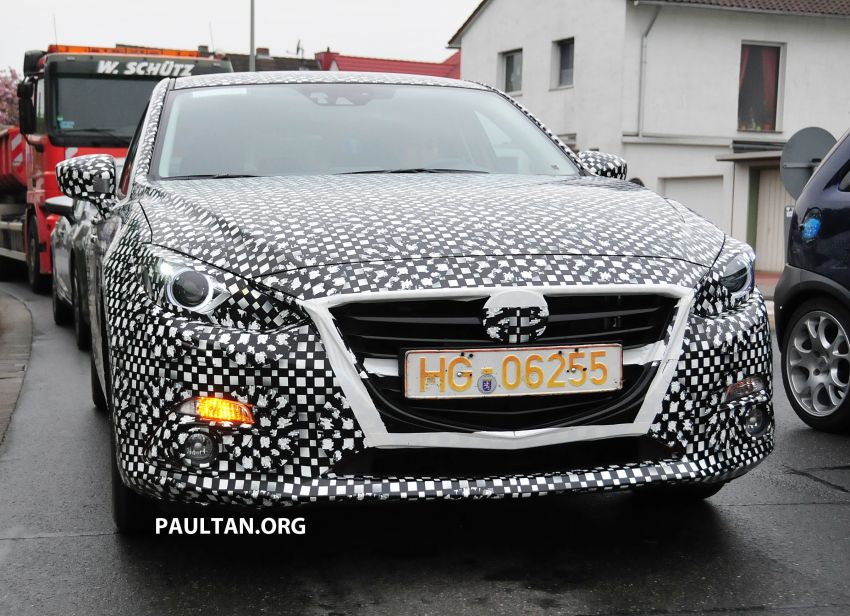SPIED: Next-gen Mazda3 looking good inside and out Image #173304