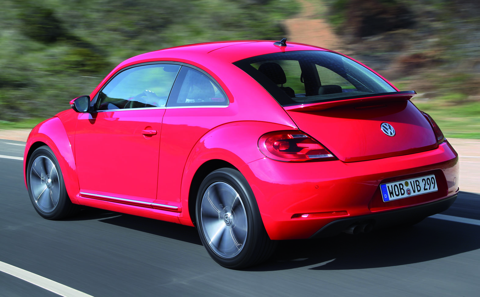 volkswagen beetle 1 4 tsi arrives in malaysia rm180k. Black Bedroom Furniture Sets. Home Design Ideas