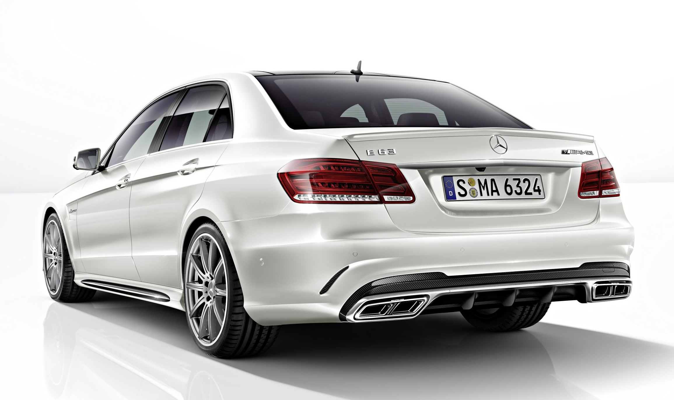 mercedes benz e 63 amg range topping s model run begins from june. Black Bedroom Furniture Sets. Home Design Ideas
