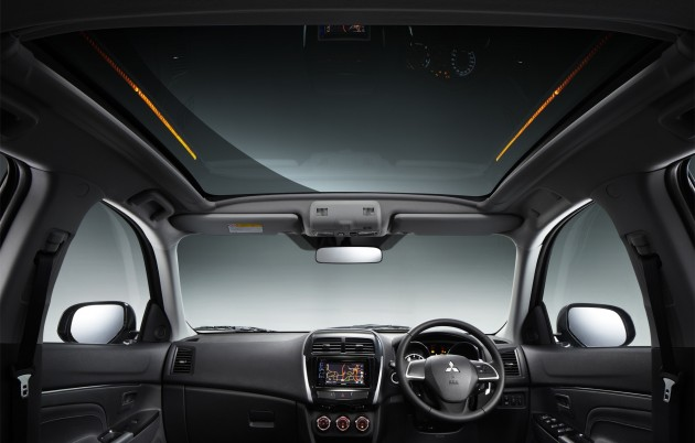 mitsubishi asx glass roof