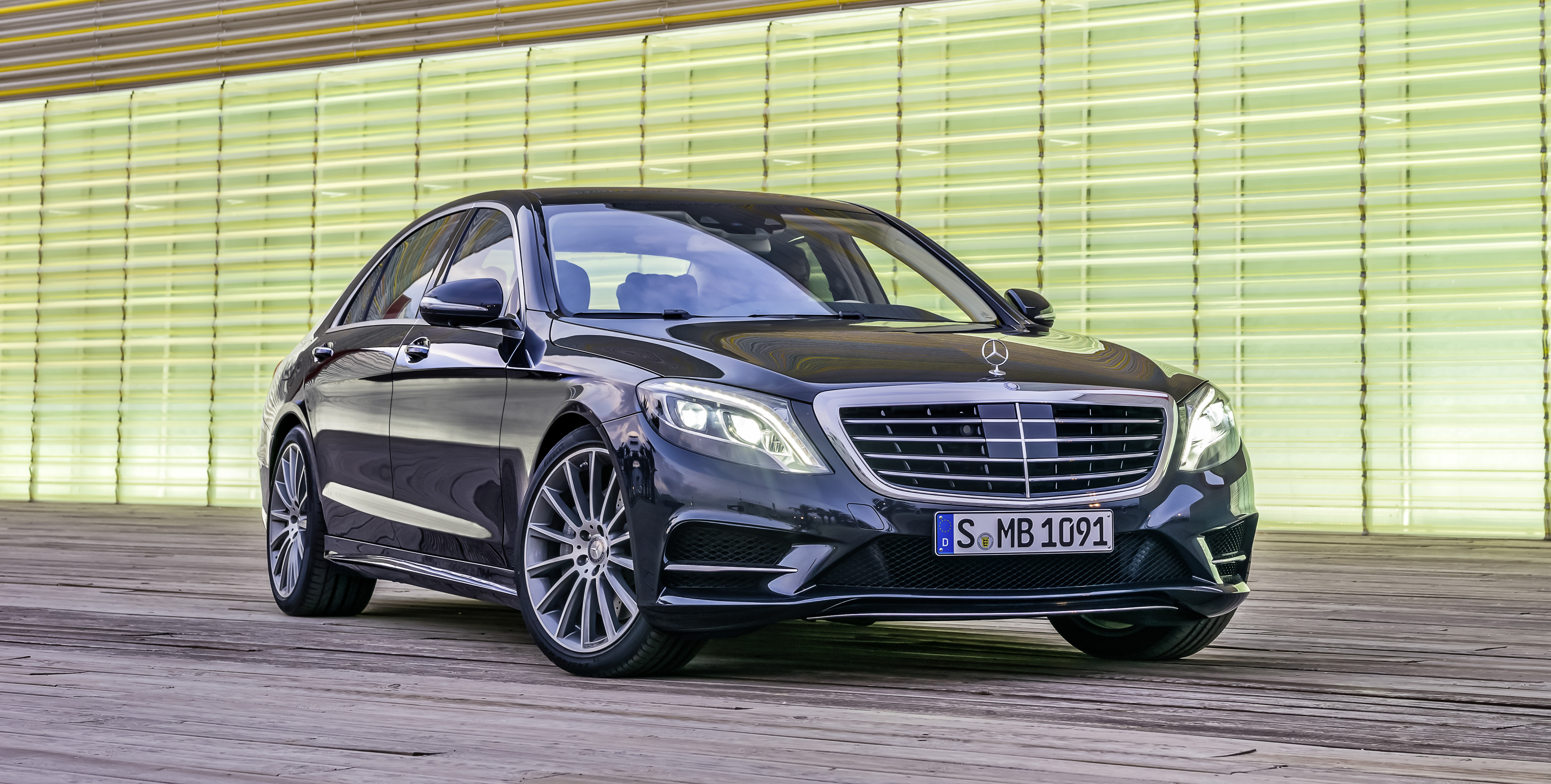 Mercedes benz s class is first ever china car of the year for Mercedes benz china