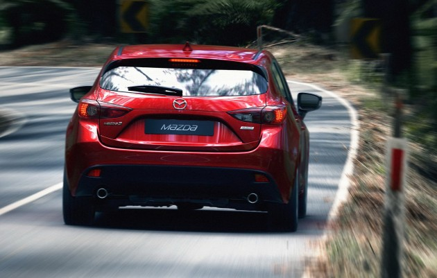 2014 Mazda 3 5door hatchback makes world debut