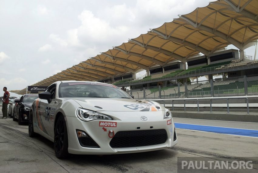 Toyota 86 – Sepang trackday in a stripped M/T racer Image #183546
