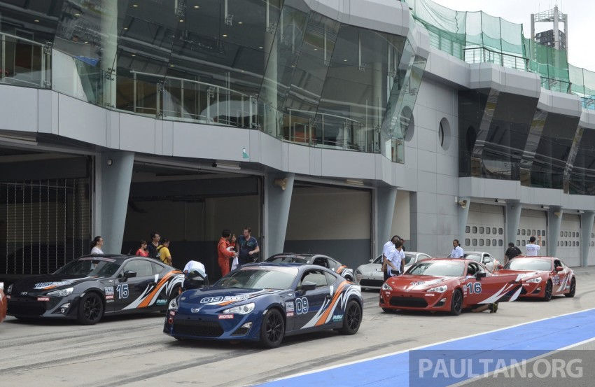 Toyota 86 – Sepang trackday in a stripped M/T racer Image #183522