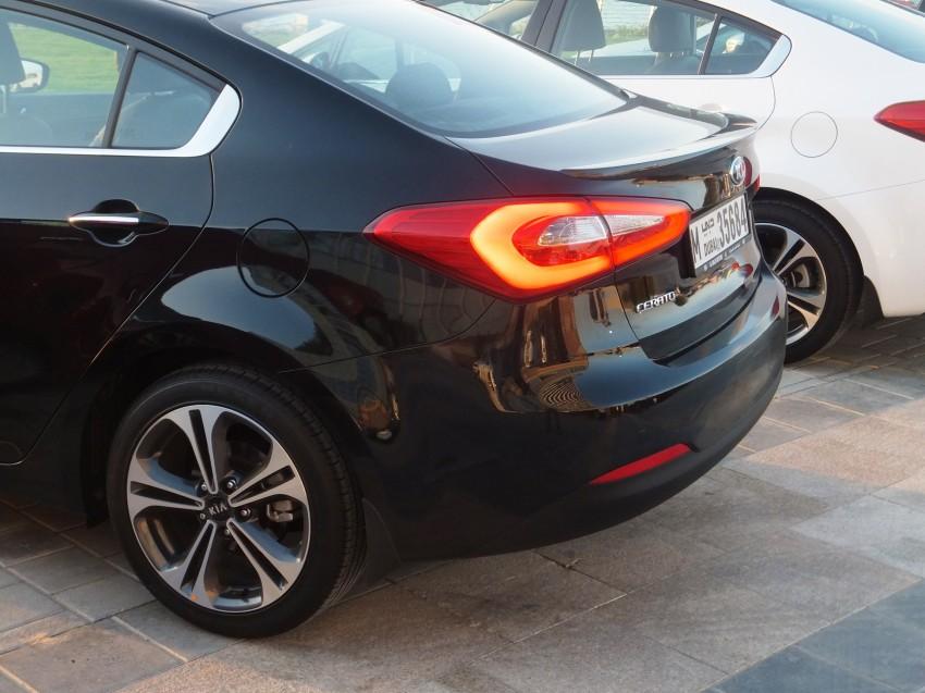 DRIVEN: Kia Cerato 1.6 and 2.0 sampled in Dubai Image #181076