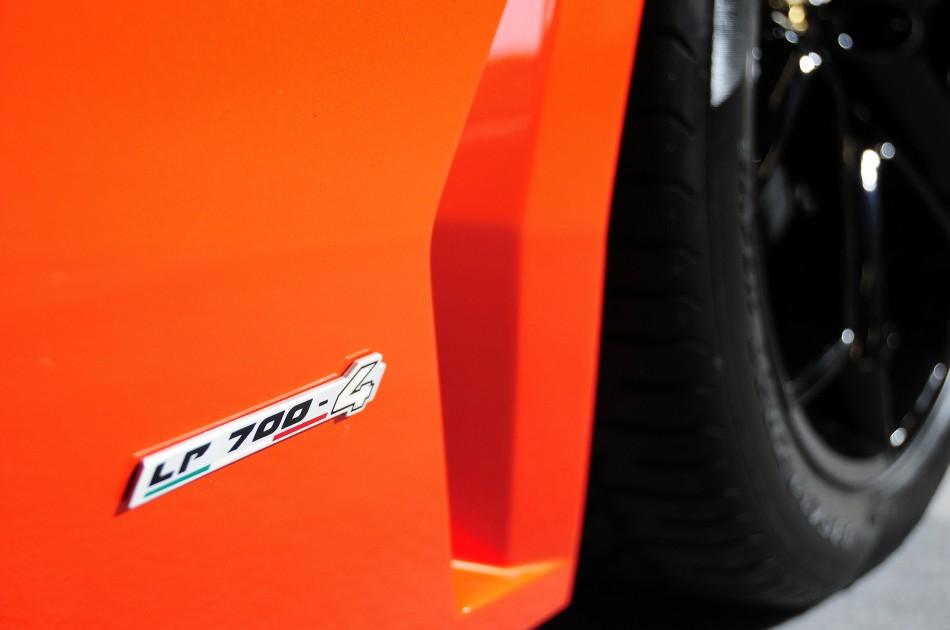Lambo_Aventador_LP700-4_03