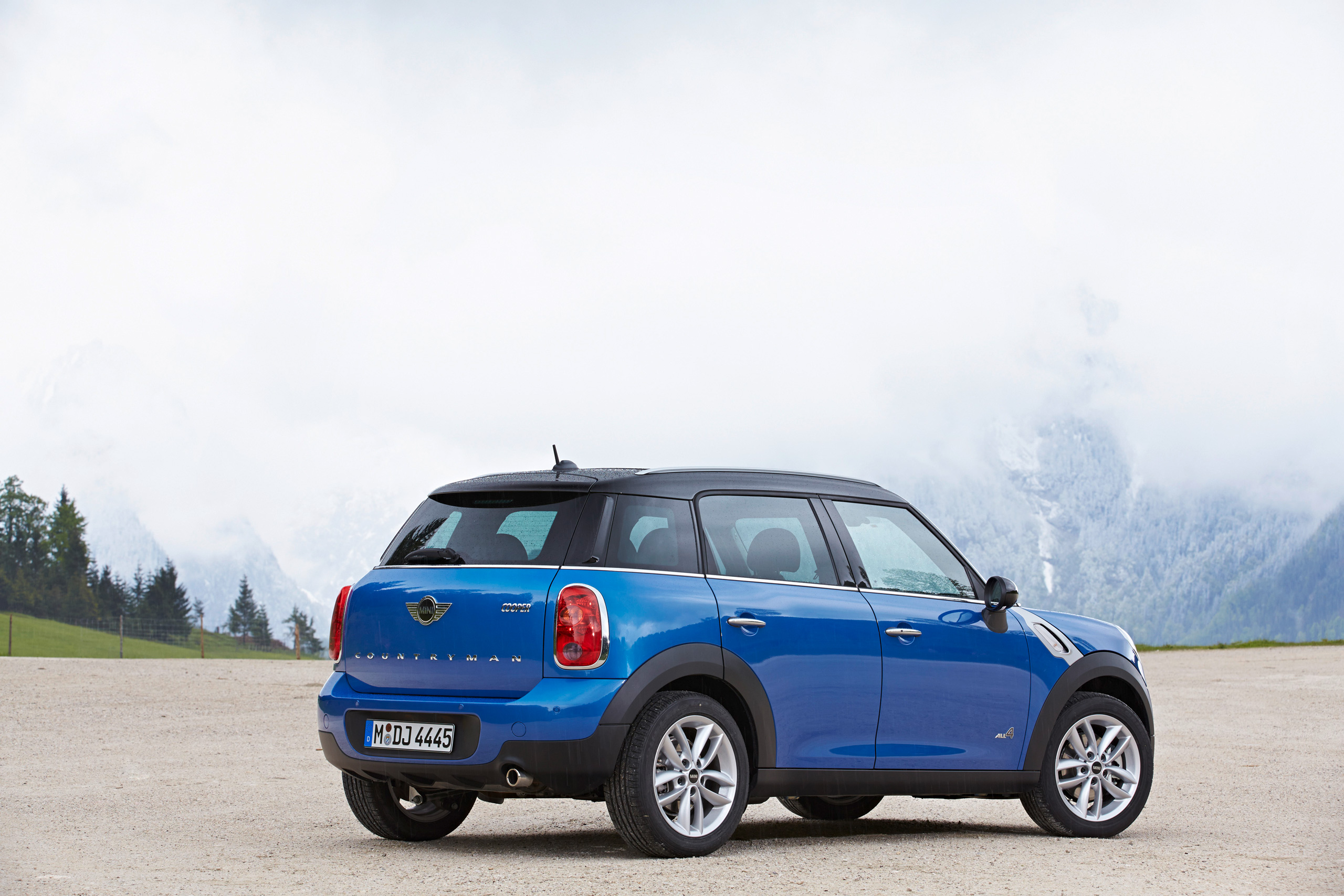 standard mini cooper countryman and paceman can now be had with optional all4 all wheel drive. Black Bedroom Furniture Sets. Home Design Ideas