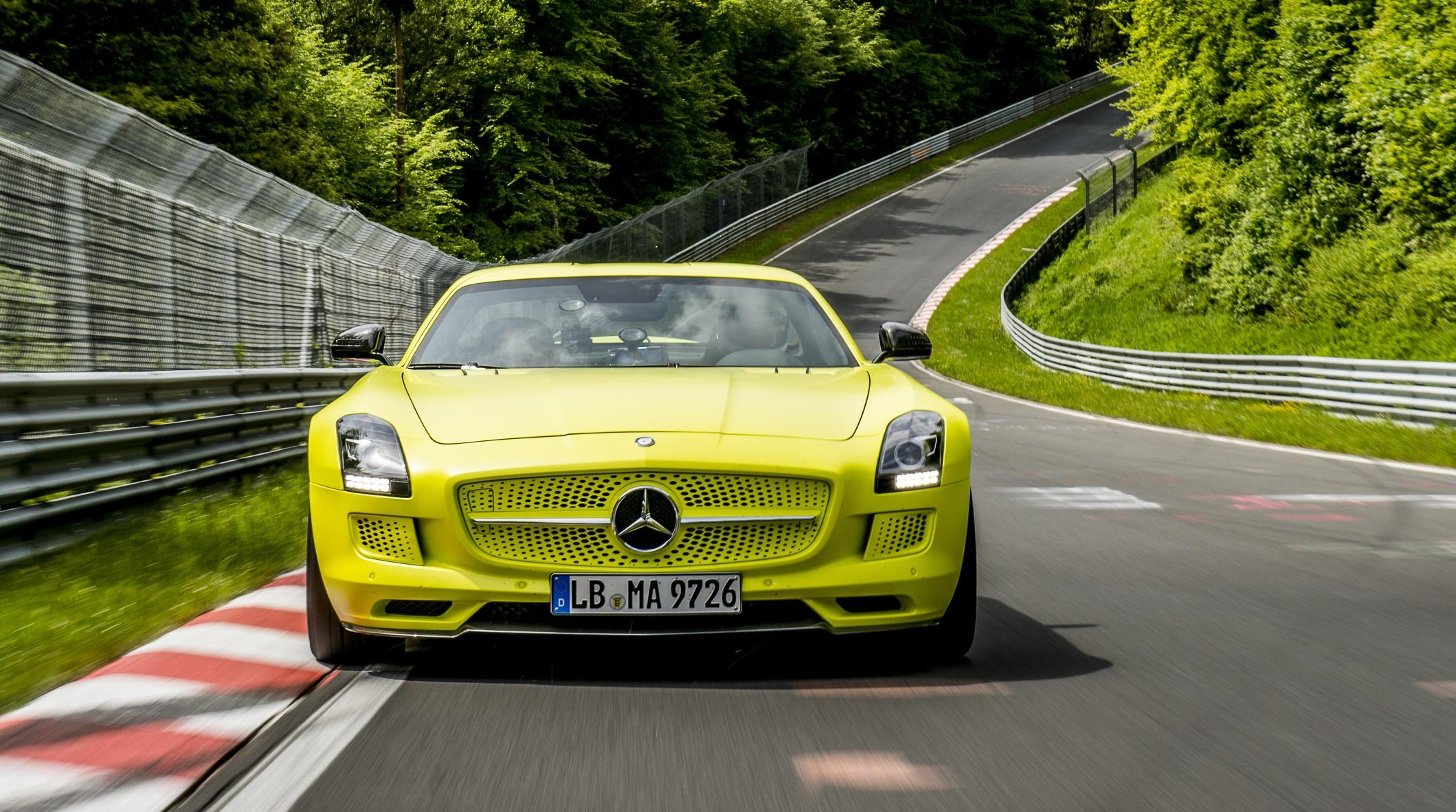 Mercedes-Benz SLS AMG Coupe Electric Drive sets ...