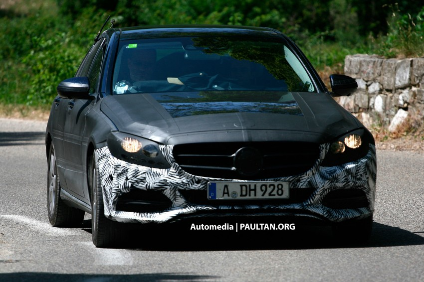 W205 Mercedes-Benz C-Class reveals more of its grille Image #181873