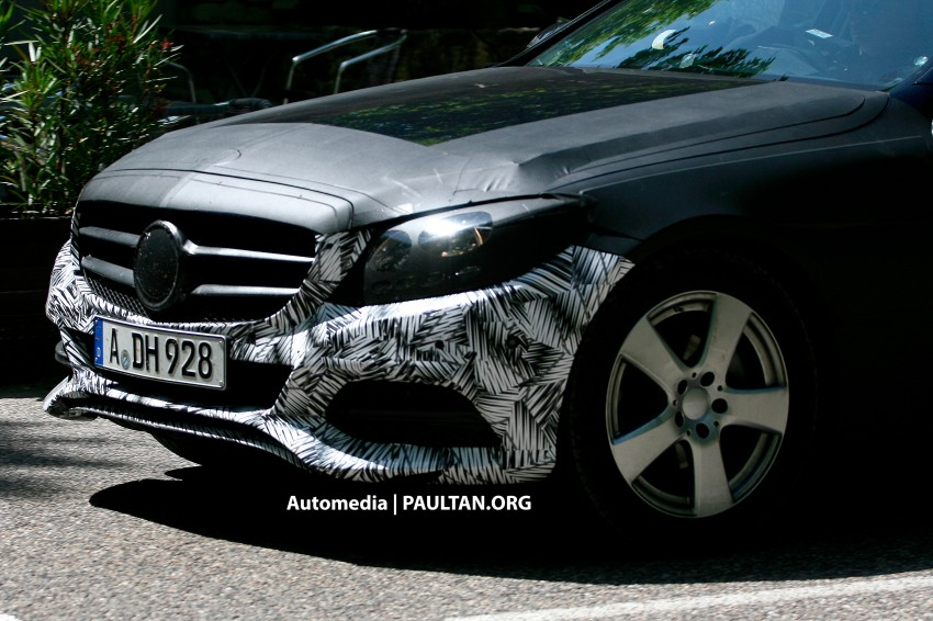 W205 Mercedes-Benz C-Class reveals more of its grille Image #181870