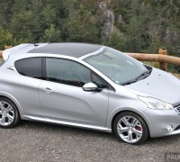 Peugeot_208_GTi_review_023