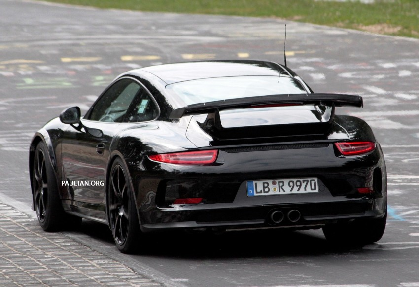 spyshots porsche 911 gt2 on the nurburgring image 183398. Black Bedroom Furniture Sets. Home Design Ideas