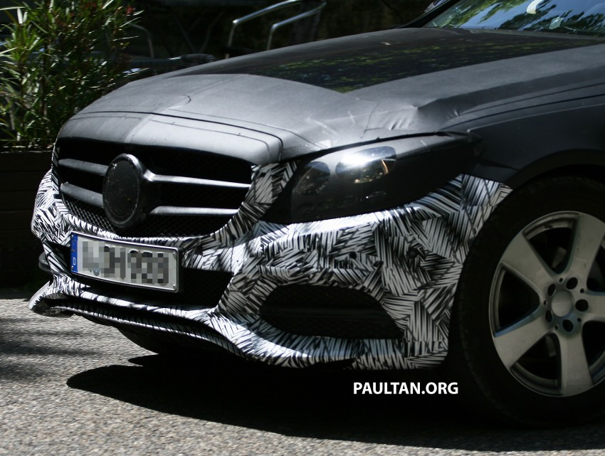 W205 Mercedes-Benz C-Class reveals more of its grille Image #181776