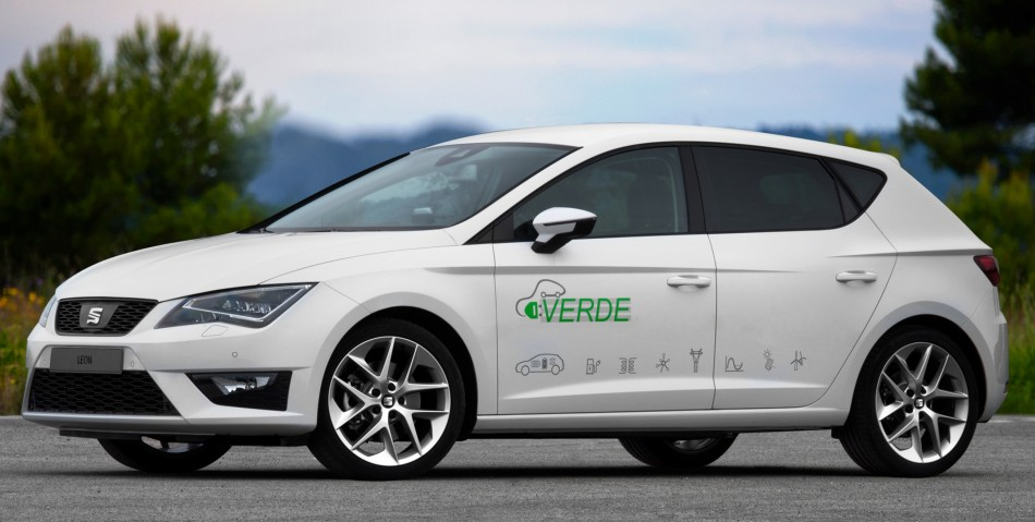 seat leon verde l hybride rechargeable. Black Bedroom Furniture Sets. Home Design Ideas