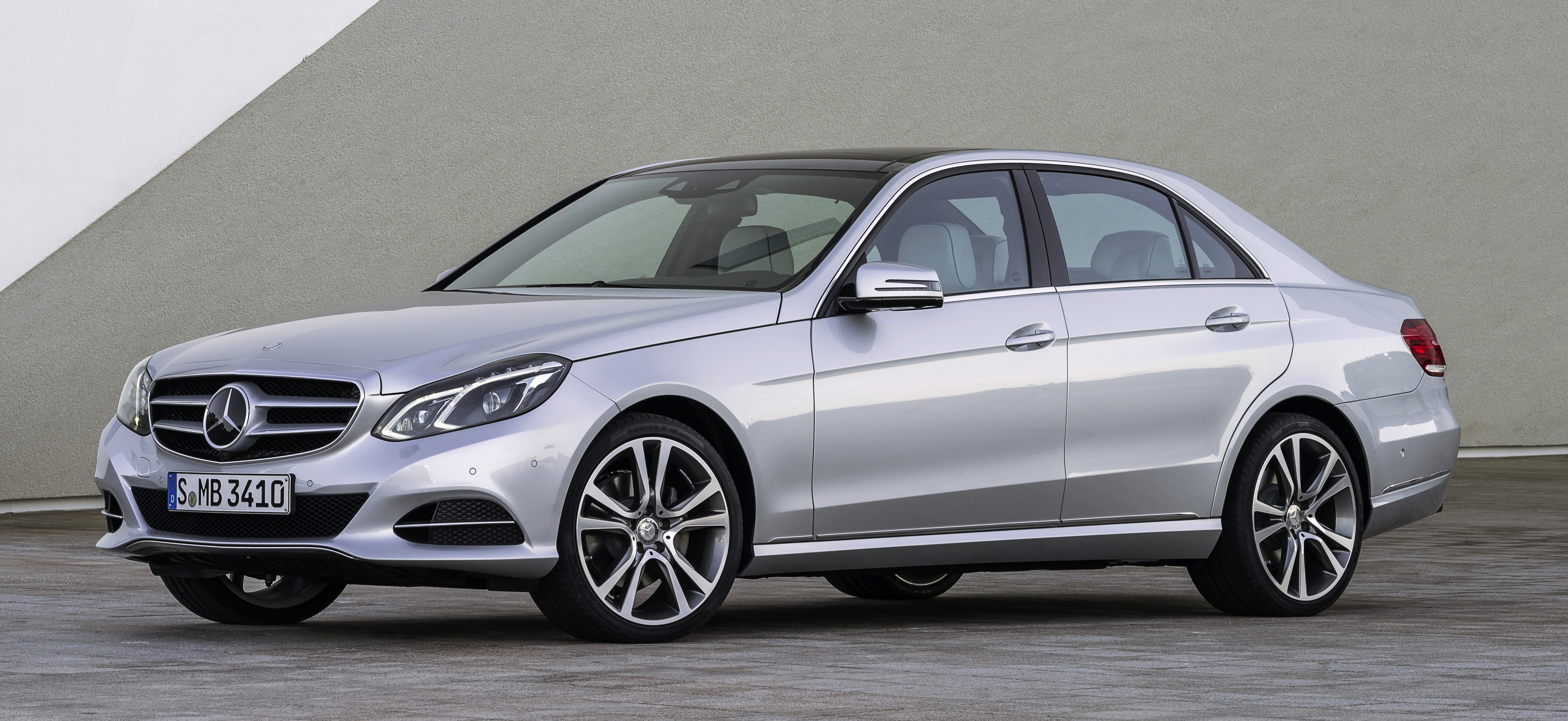 Mercedes benz e350 bluetec first to get 9g tronic for Mercedes benz worldwide sales figures