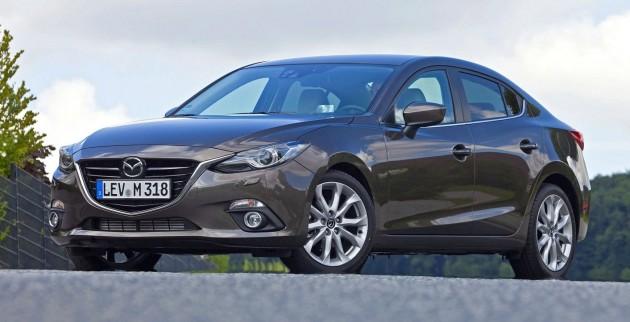 2014_Mazda3_Sedan_022