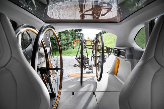BMW_Concept_Active_Tourer_Outdoor_020