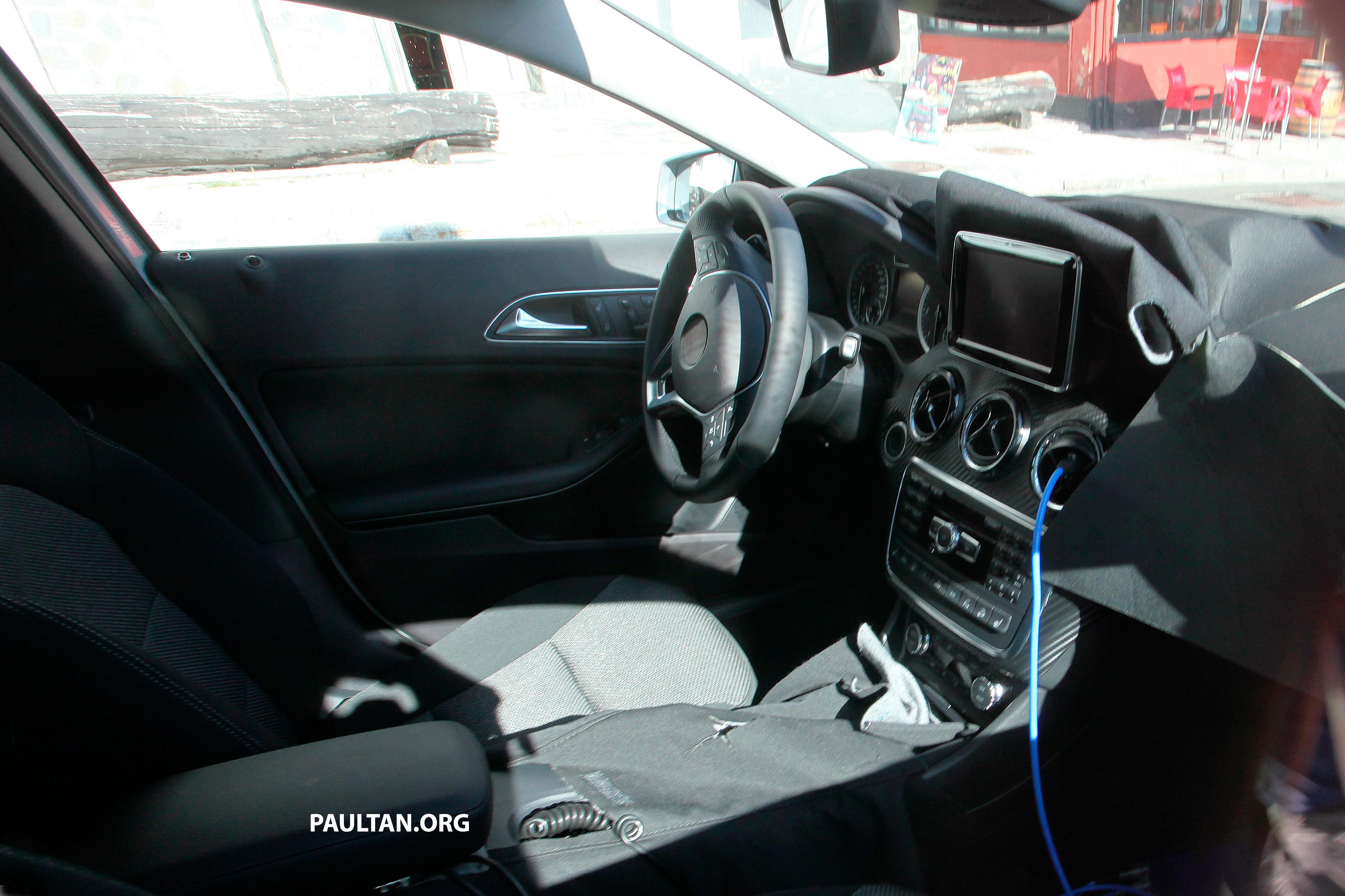 Mercedes benz gla class first shots of interior paul tan for Mercedes benz gla class interior