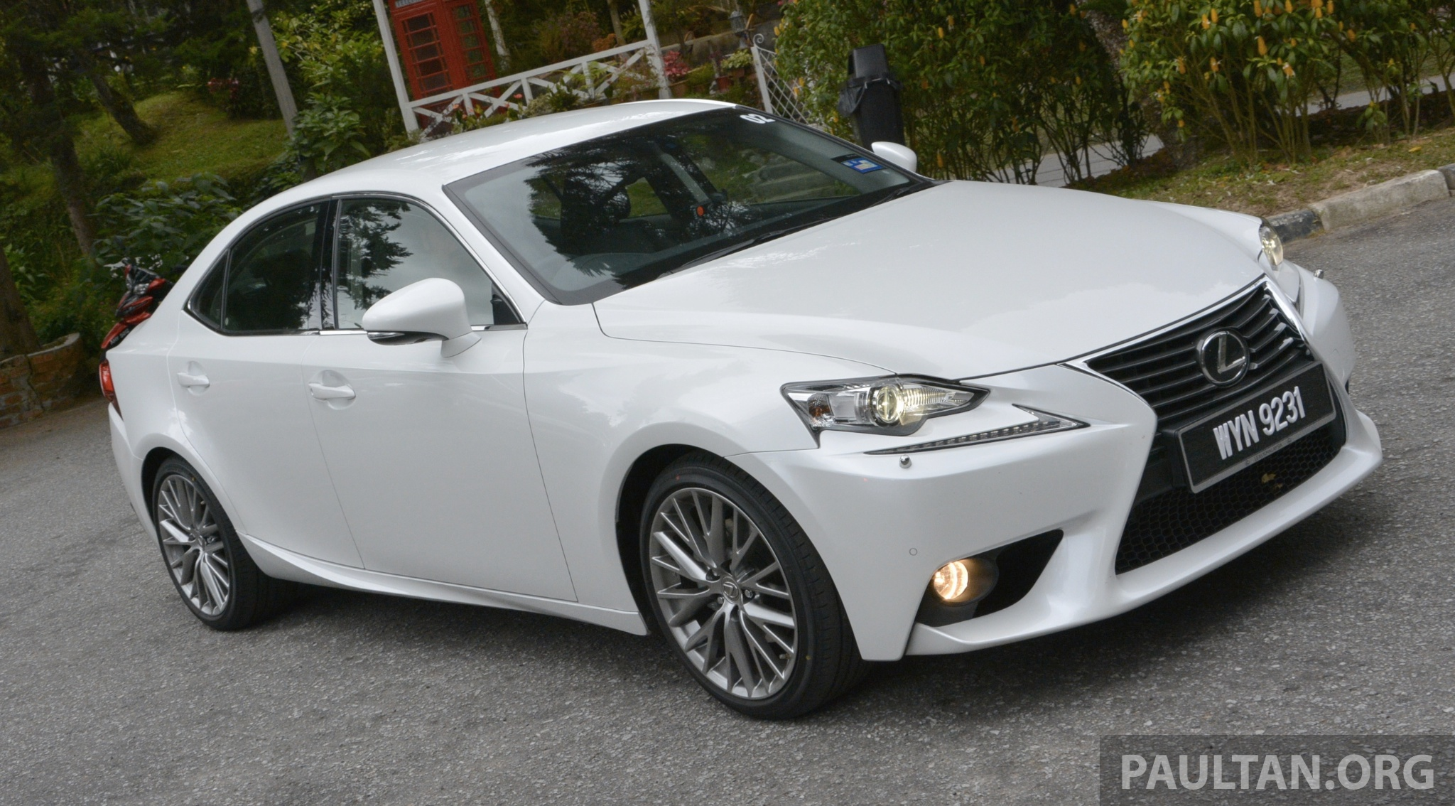 Driven Lexus Is 250 Luxury And F Sport Sampled Paul Tan