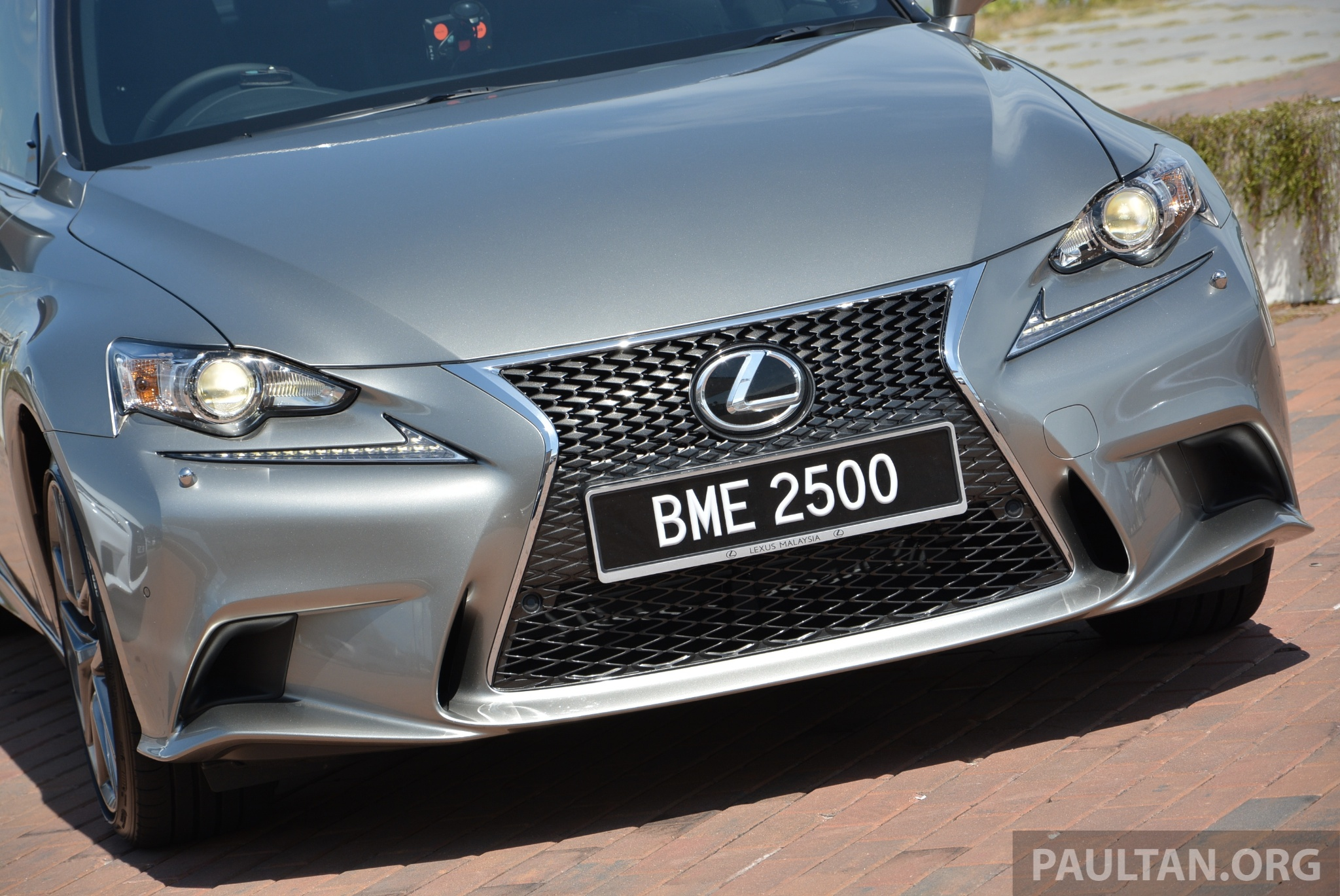 DRIVEN: Lexus IS 250 Luxury and F Sport sampled Paul Tan ...
