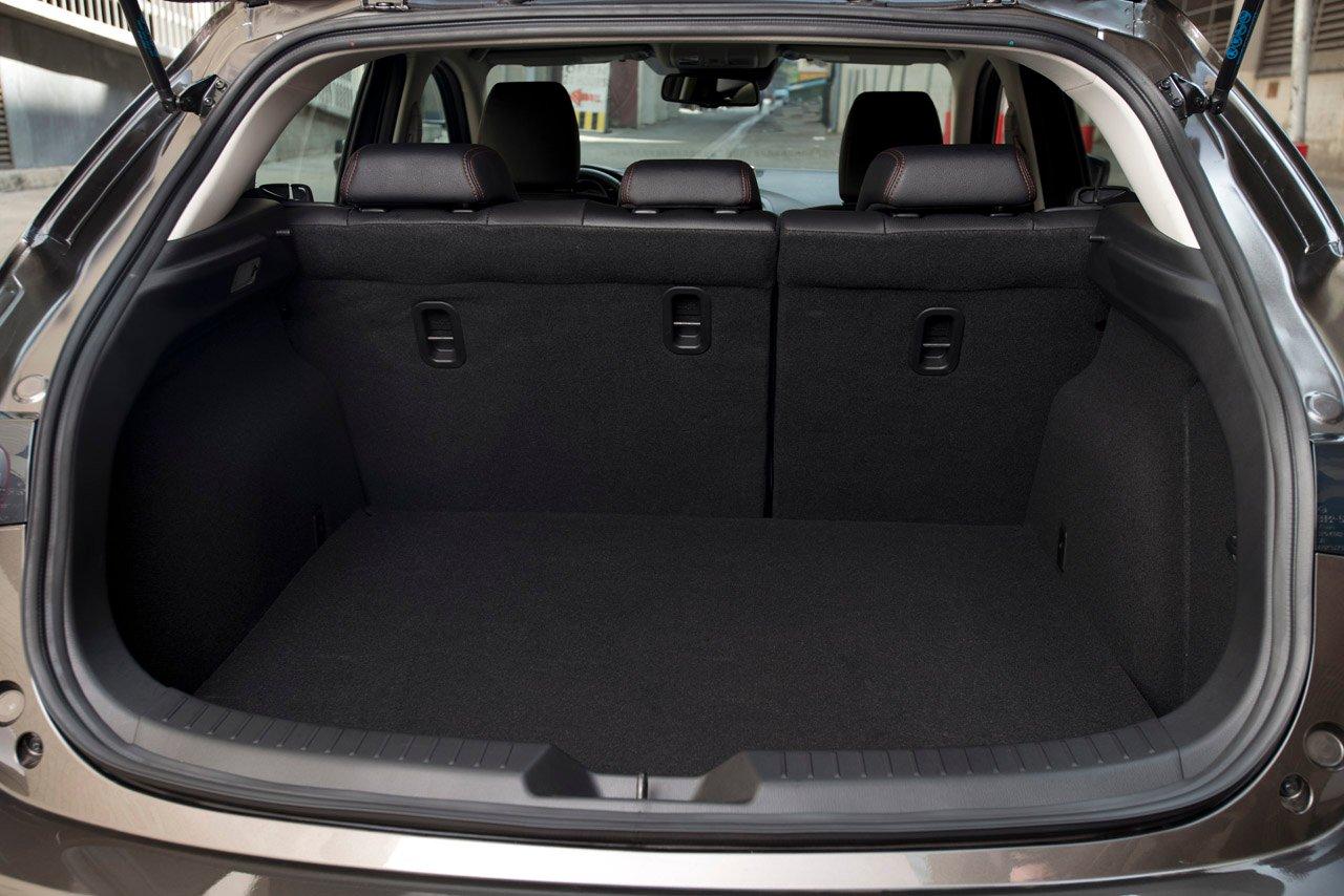 2014 mazda 3 hatchback mega gallery from the usa image 186311. Black Bedroom Furniture Sets. Home Design Ideas